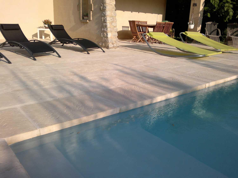 Плитка для бассейна загородного дома
