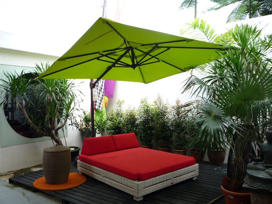 Садовый зонт зеленый