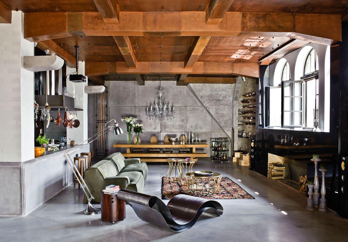 Железная мебель в студии лофт