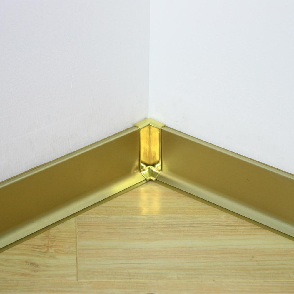 Алюминиевый плинтус под золото