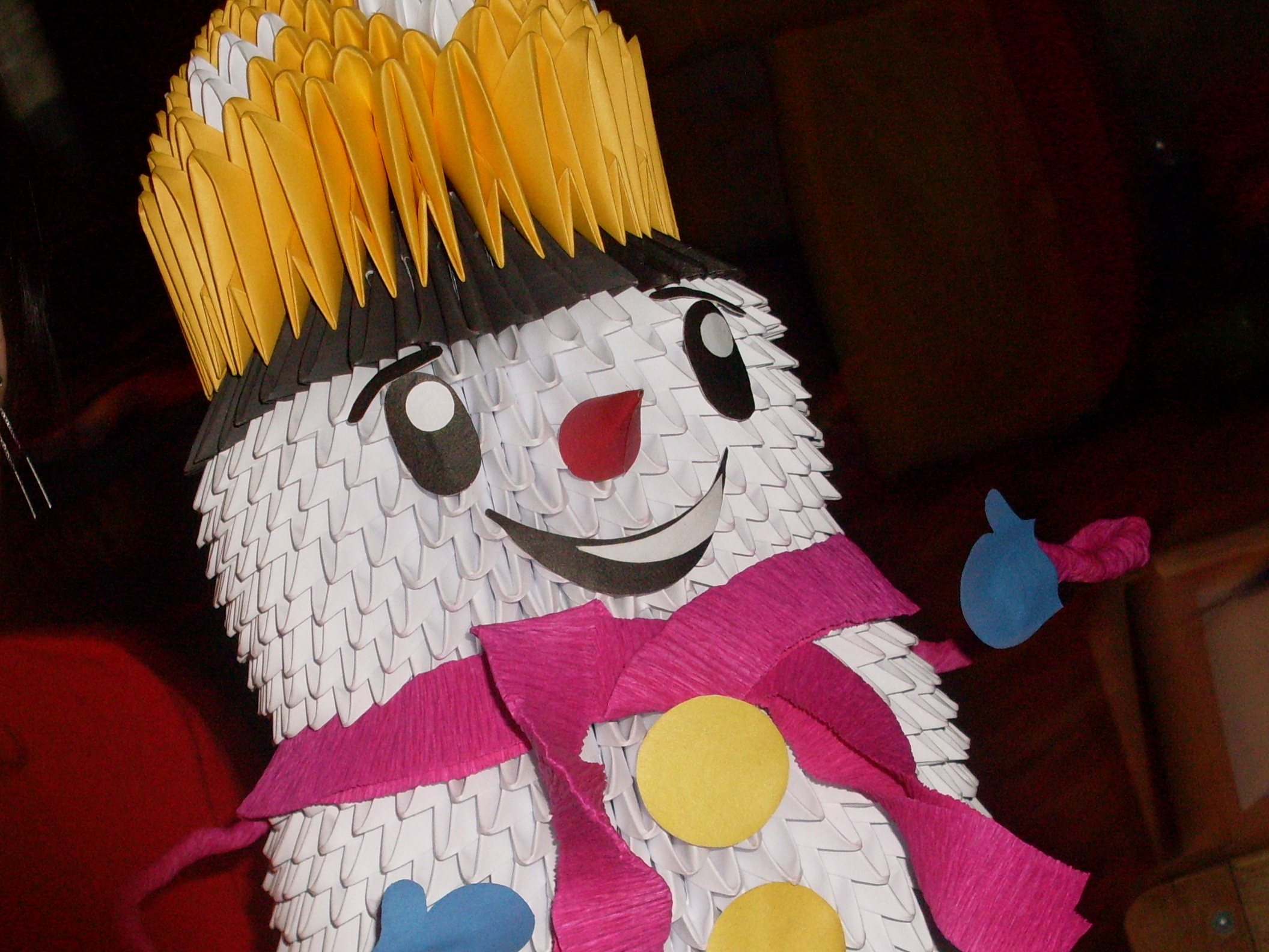 Большой снеговик из бумагиБольшой снеговик из бумаги