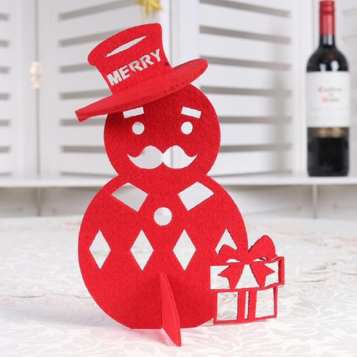 Снеговик из красной бумаги