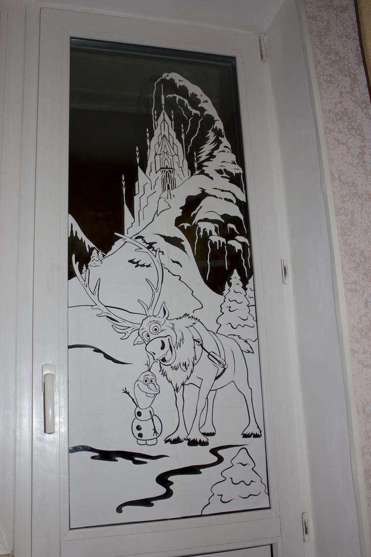 Снеговик их бумаги на окно