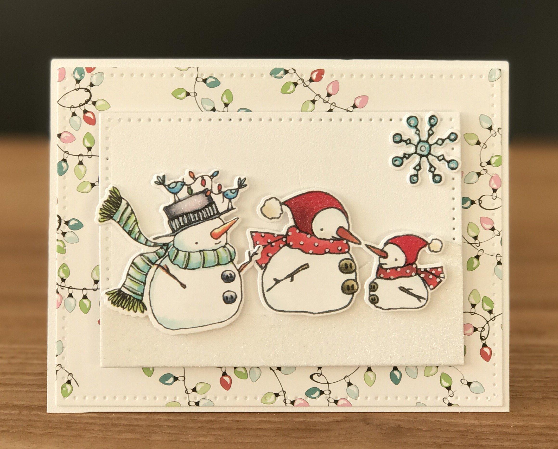 Бумажная открытка со снеговиком