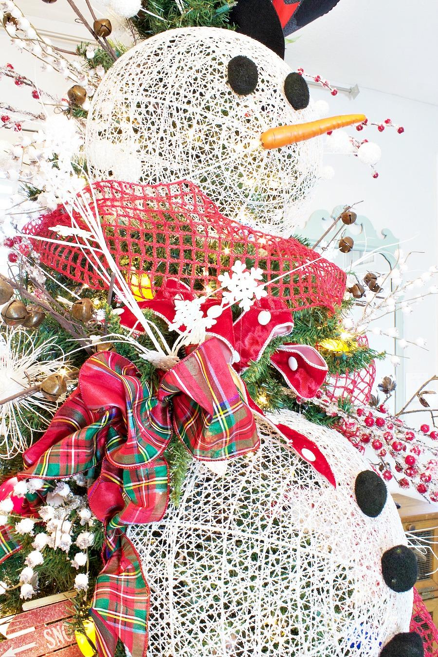 Плетеный снеговик из бумаги