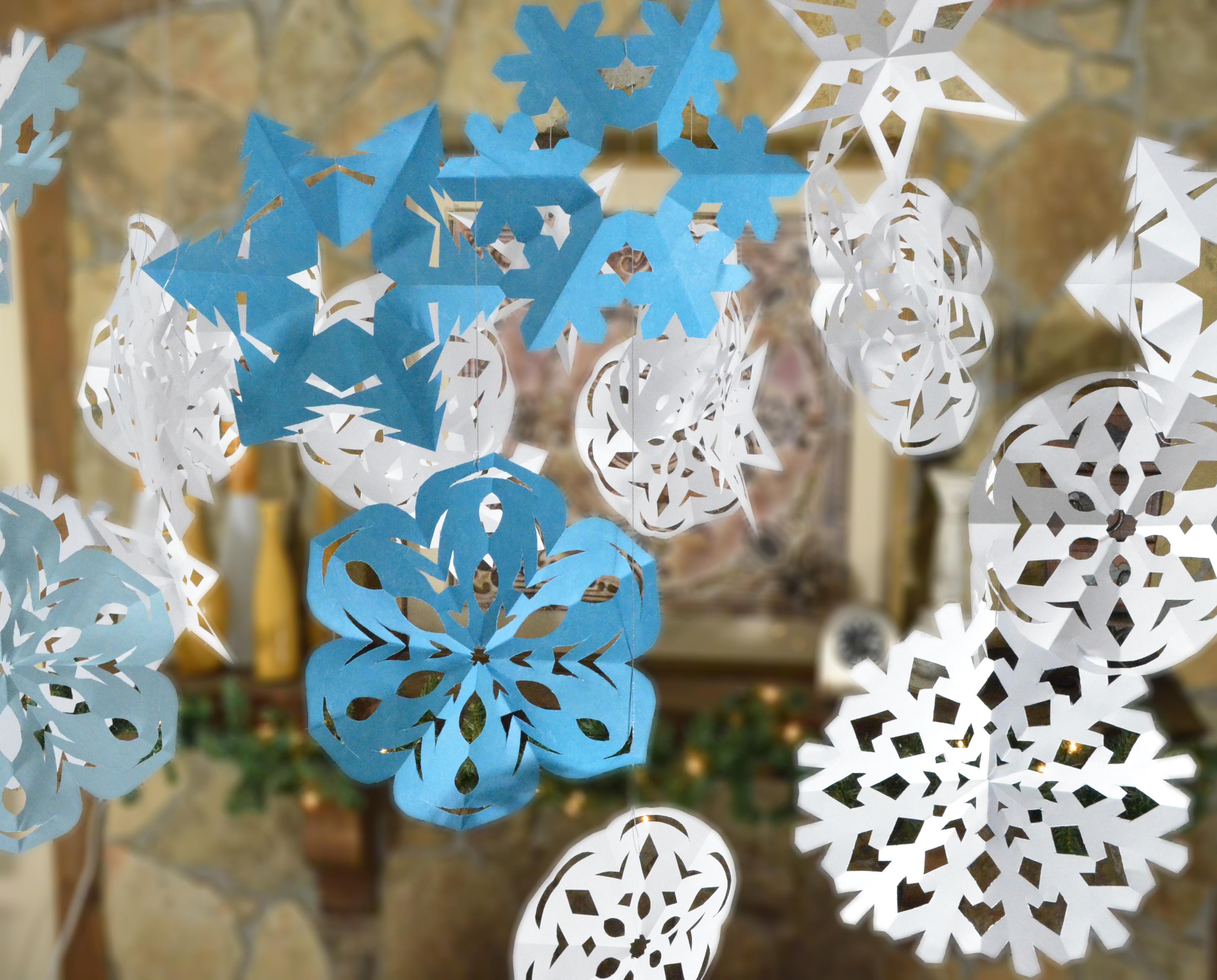 Снежинки из бумаги: кружевной декор для новогоднего интерьера (62 фото)