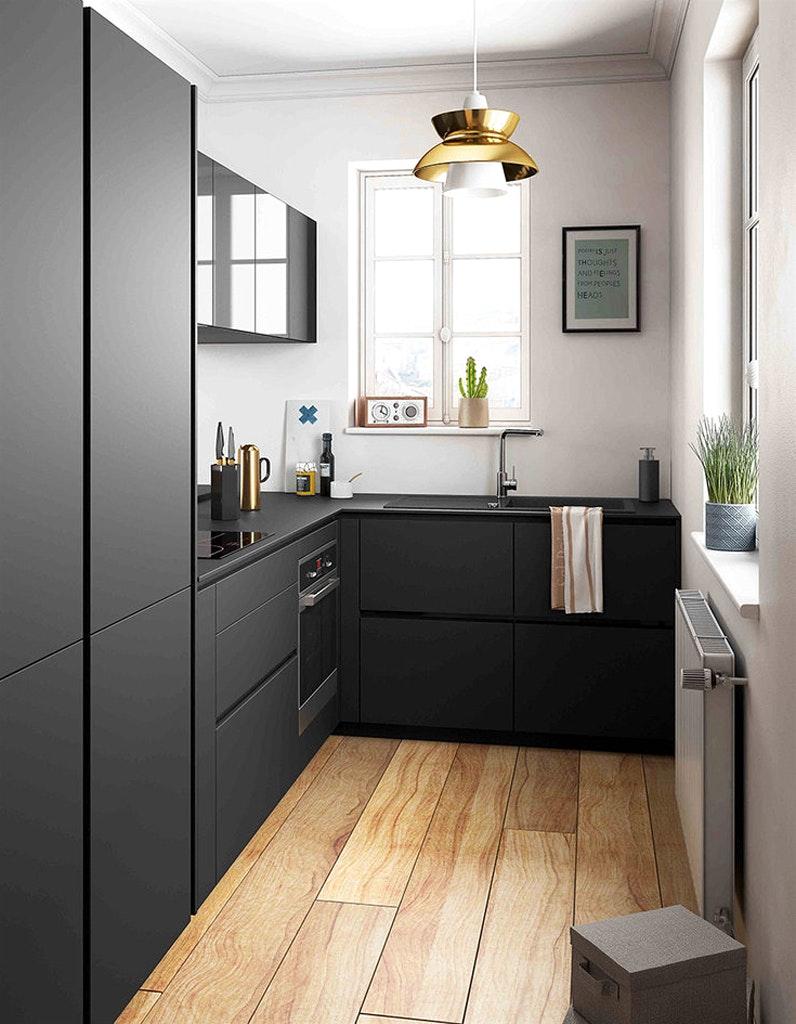 Черная кухня 6 кв м