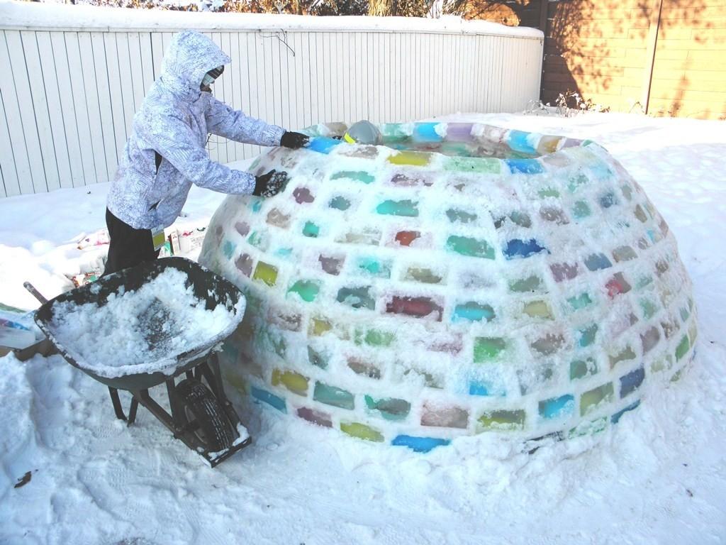 Снежная горка цветная