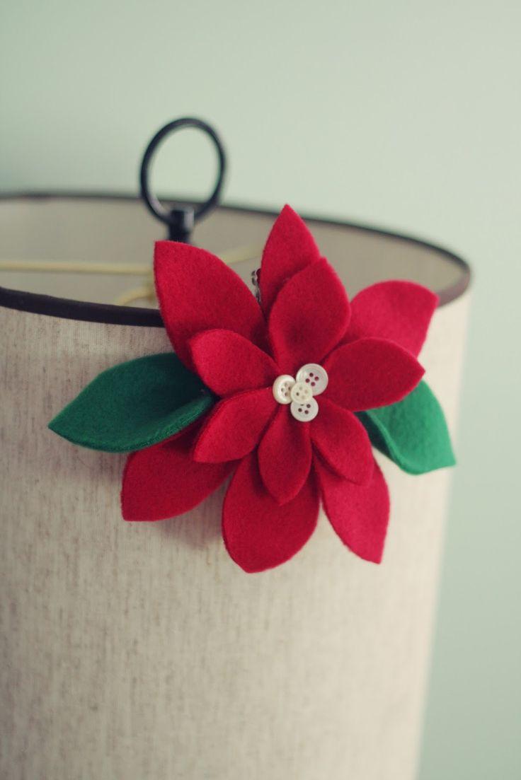 Новогодний цветок