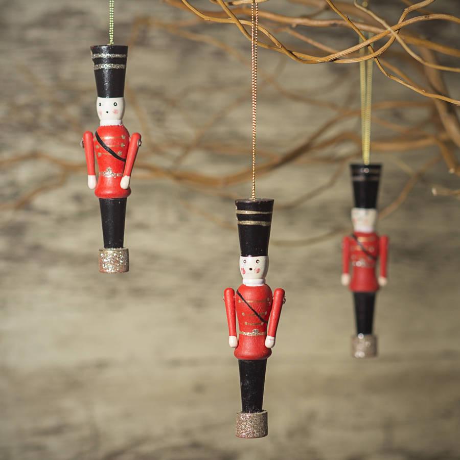 Елочные украшения из дерева