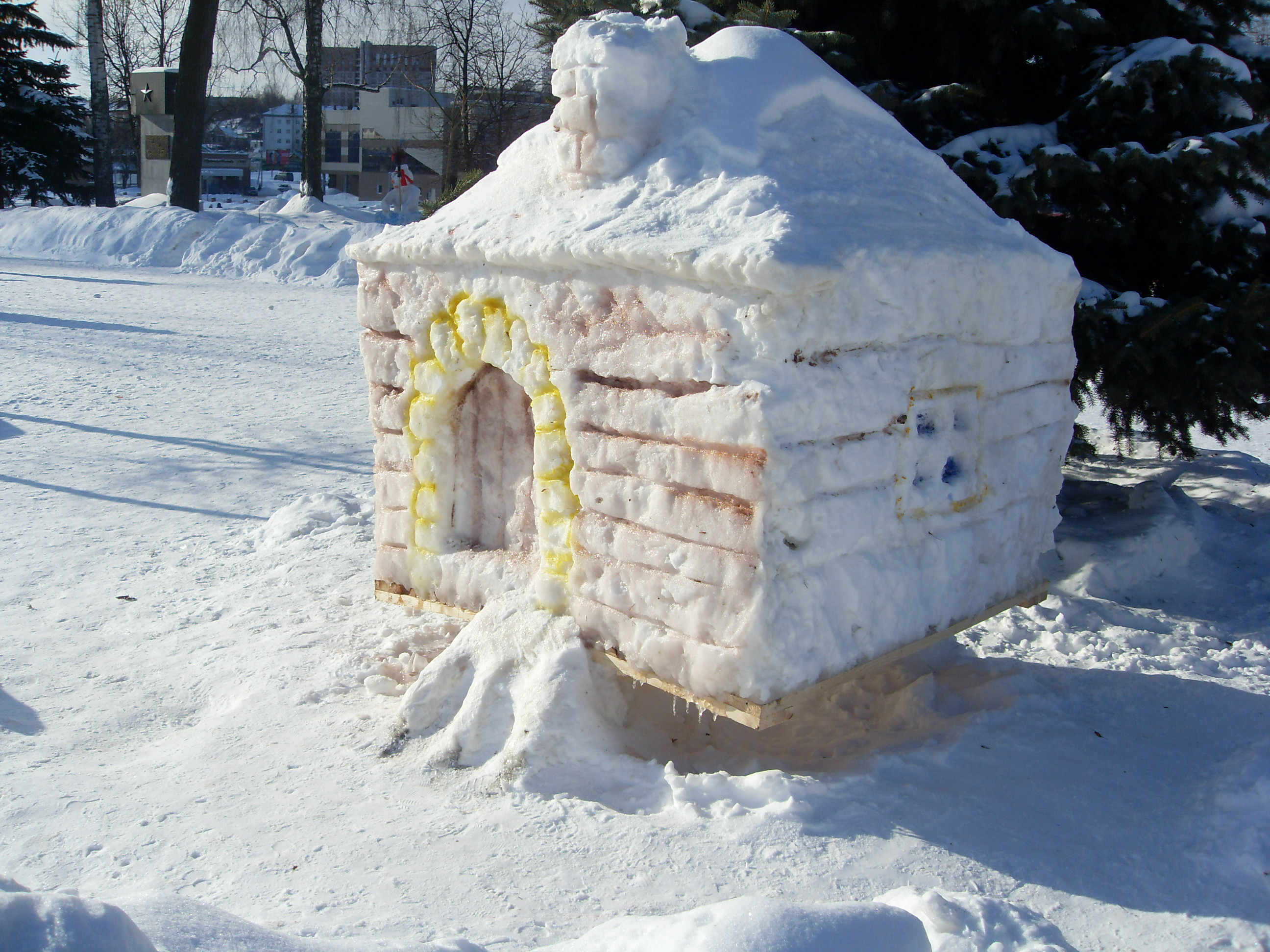 Снежная горка с домиком