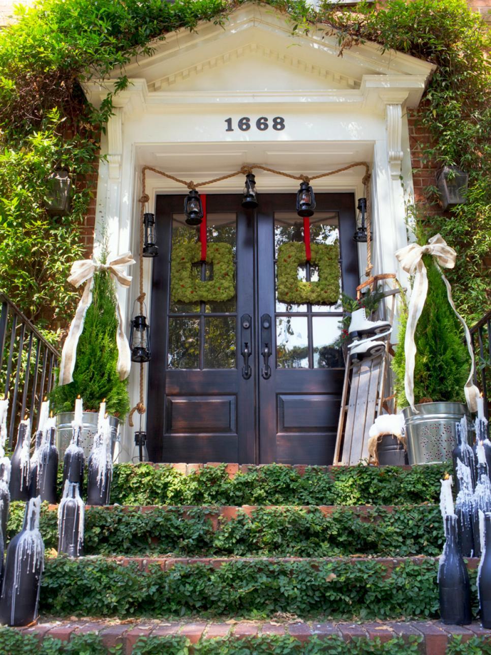 Украшение двери на новый год в стиле эко