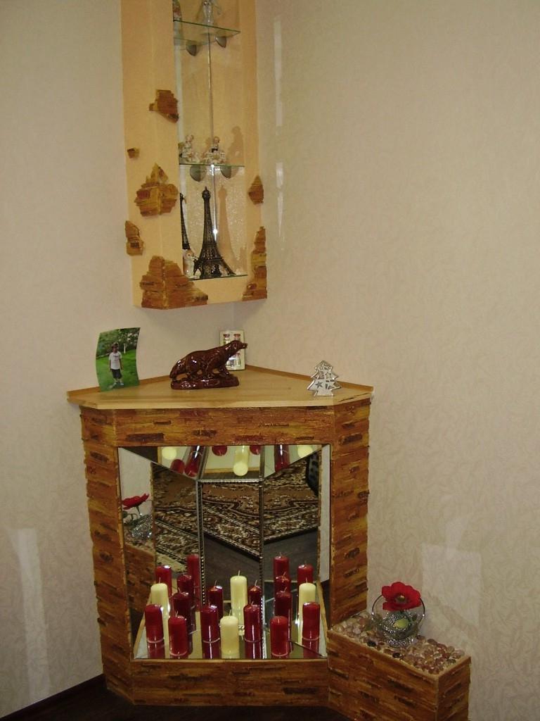Новогодний камин из коробки и фанеры