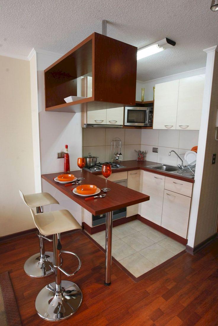 Коричневая кухня 6 кв м
