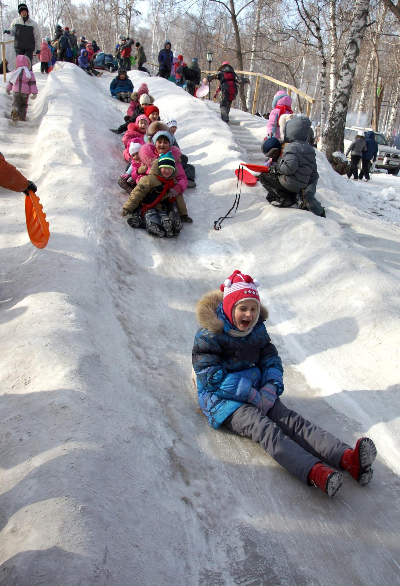 Снежная горка для ледянок