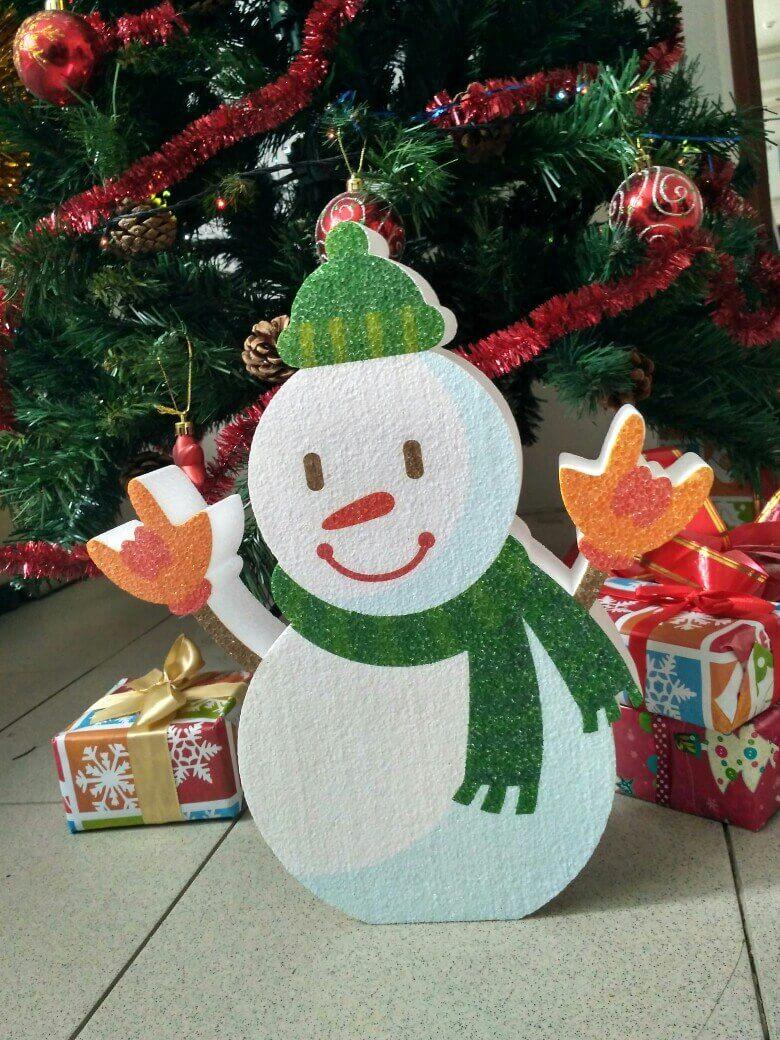 Как сделать снеговика из пенопласта