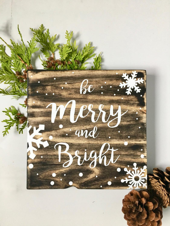 Бумажные снежинки на подарке