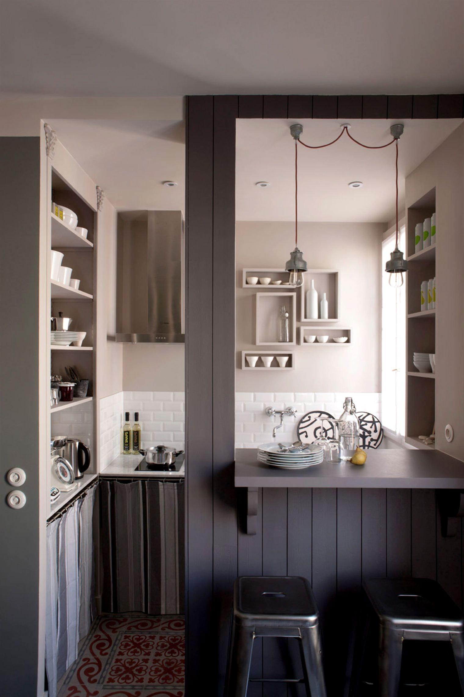 Кухня 6 кв м с полками