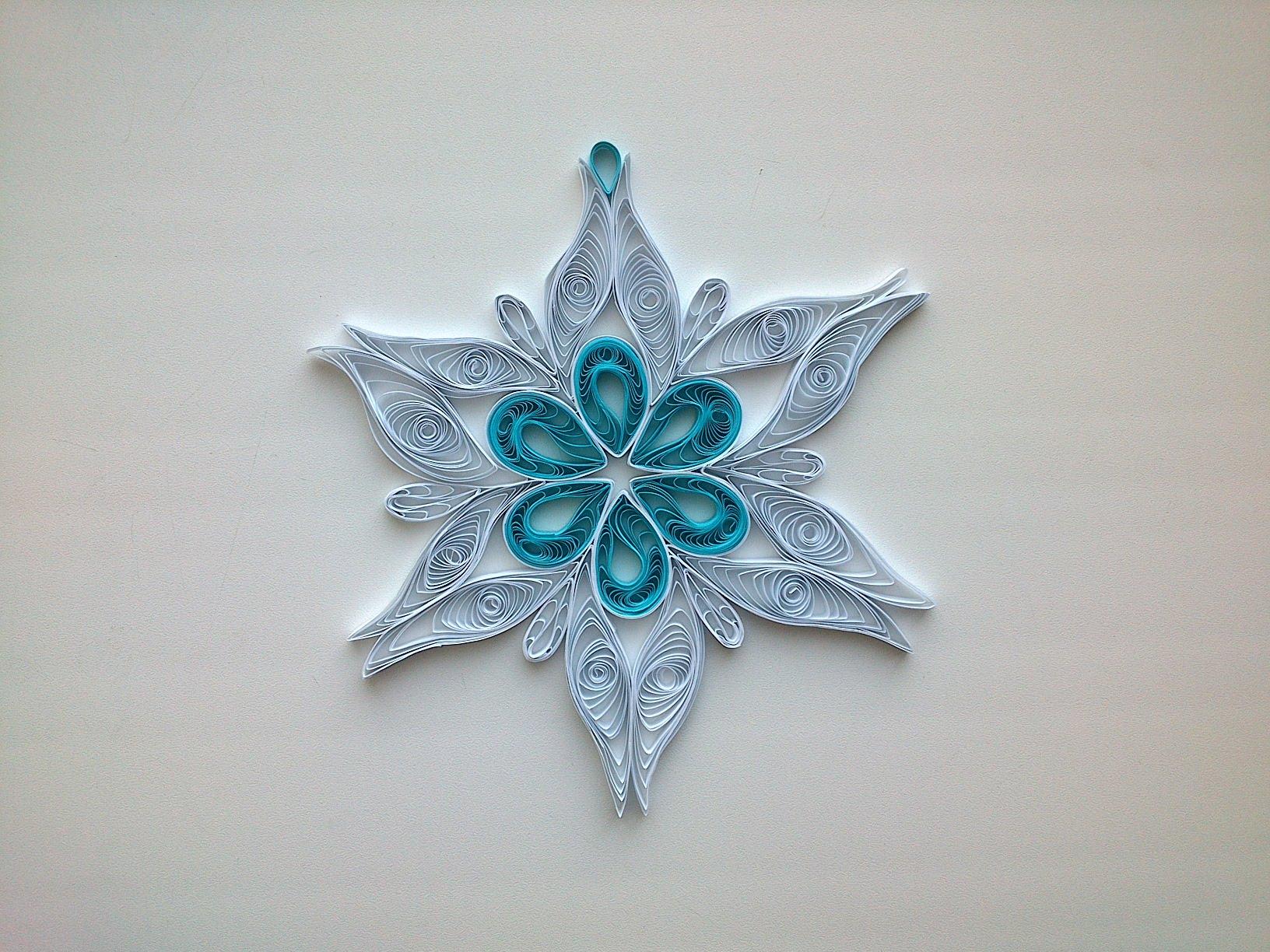 Снежинки из бумаги квиллинг
