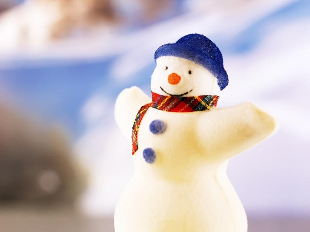 Снеговик из шерсти