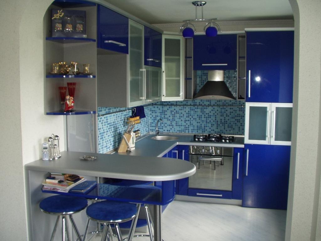 Кухня 6 кв м синяя