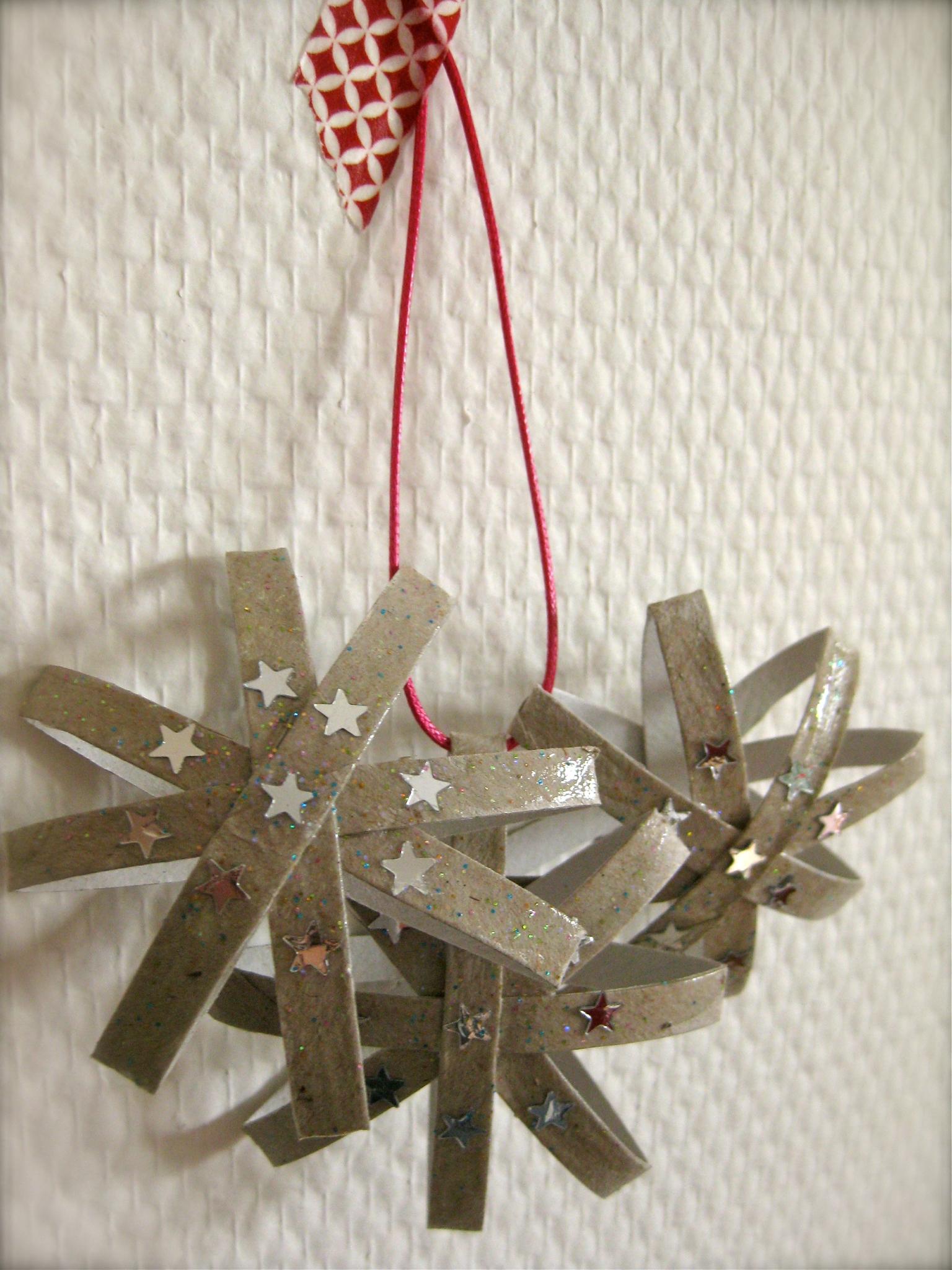 Снежинки из бумаги на новый год