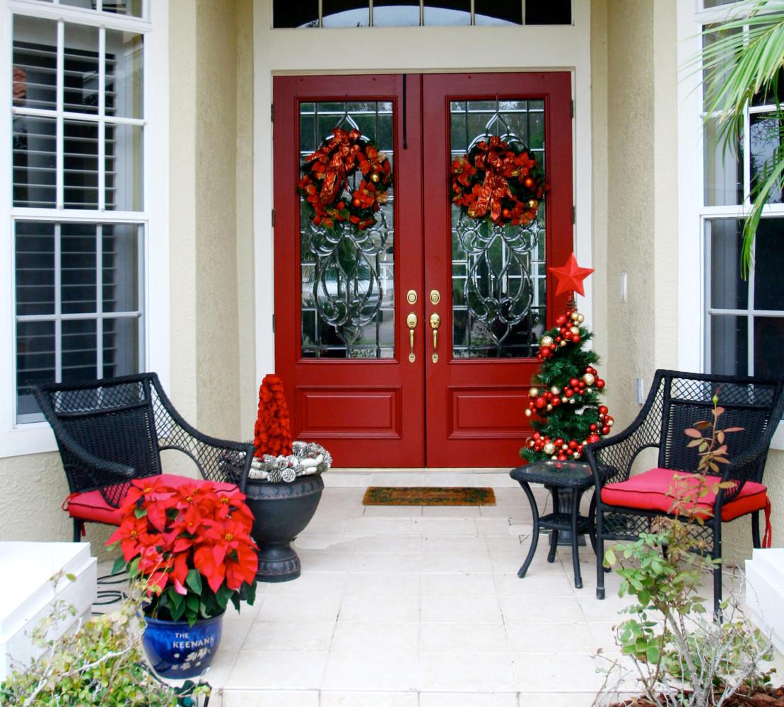 Новогоднее украшение стеклянной двери