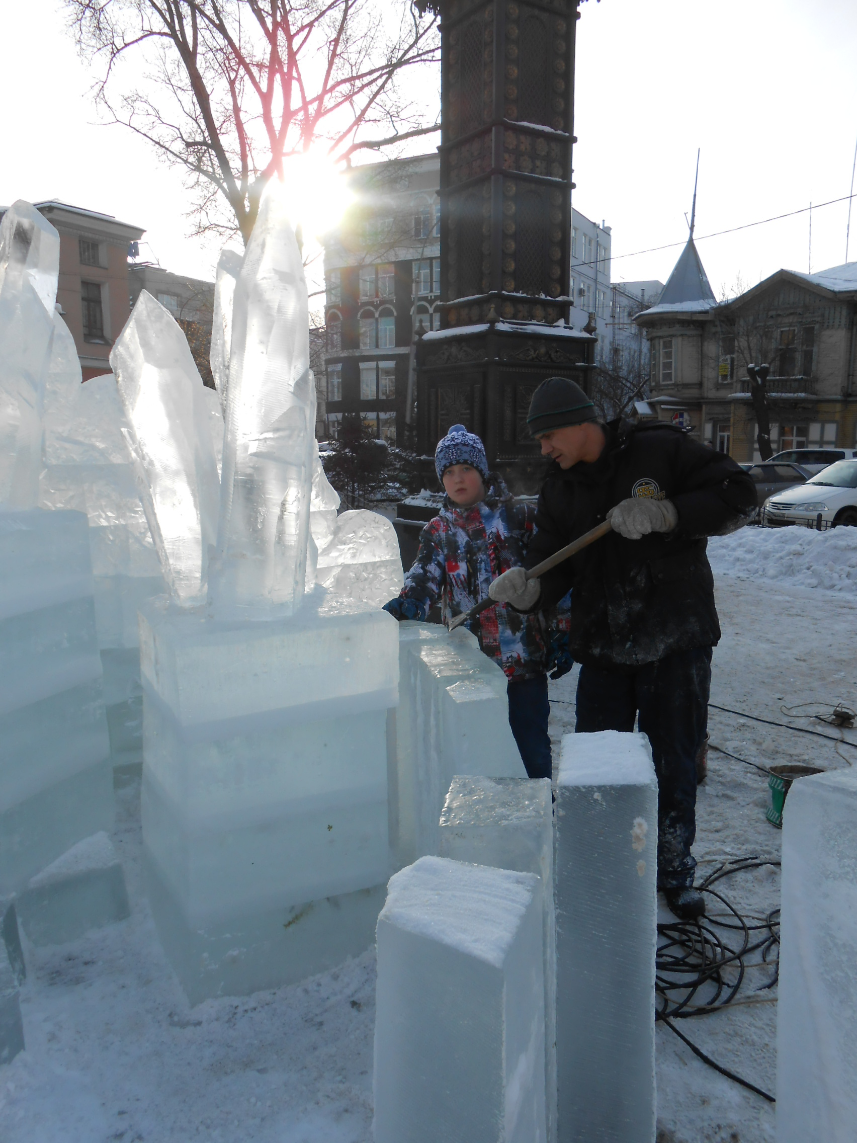 Строительство снежной горки