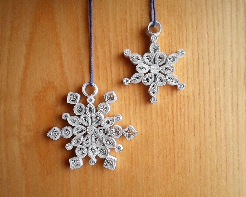 Снежинки из бумаги на веревочке