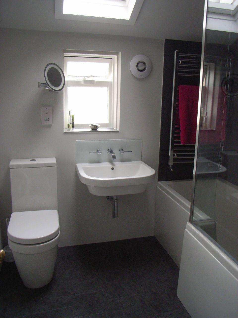 Ванная 4 кв м с асимметричной ванной