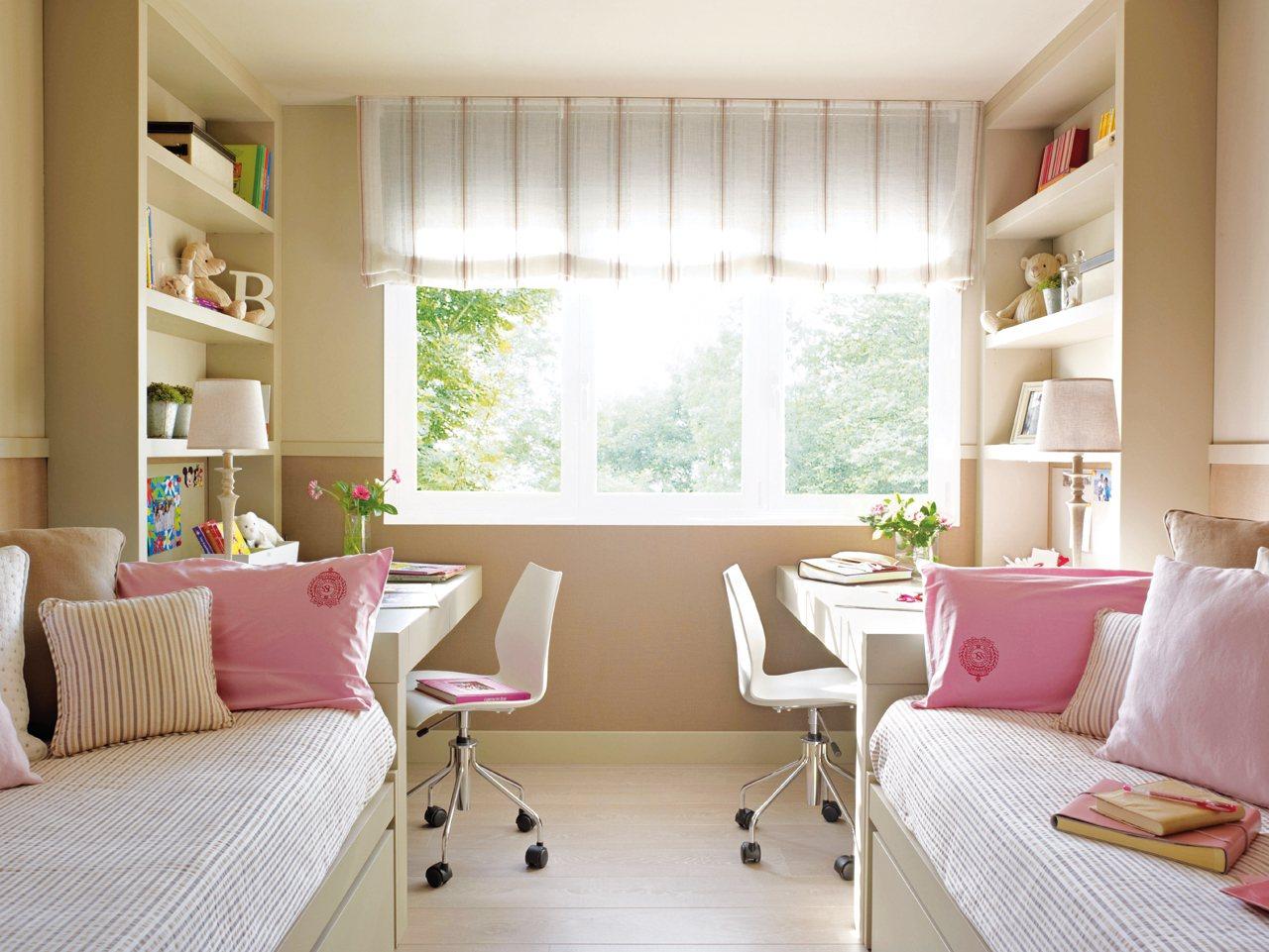 Детская комната для девочки бежевая
