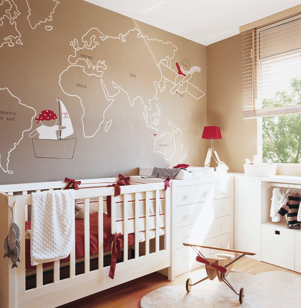 Детская комната для мальчика бежевая