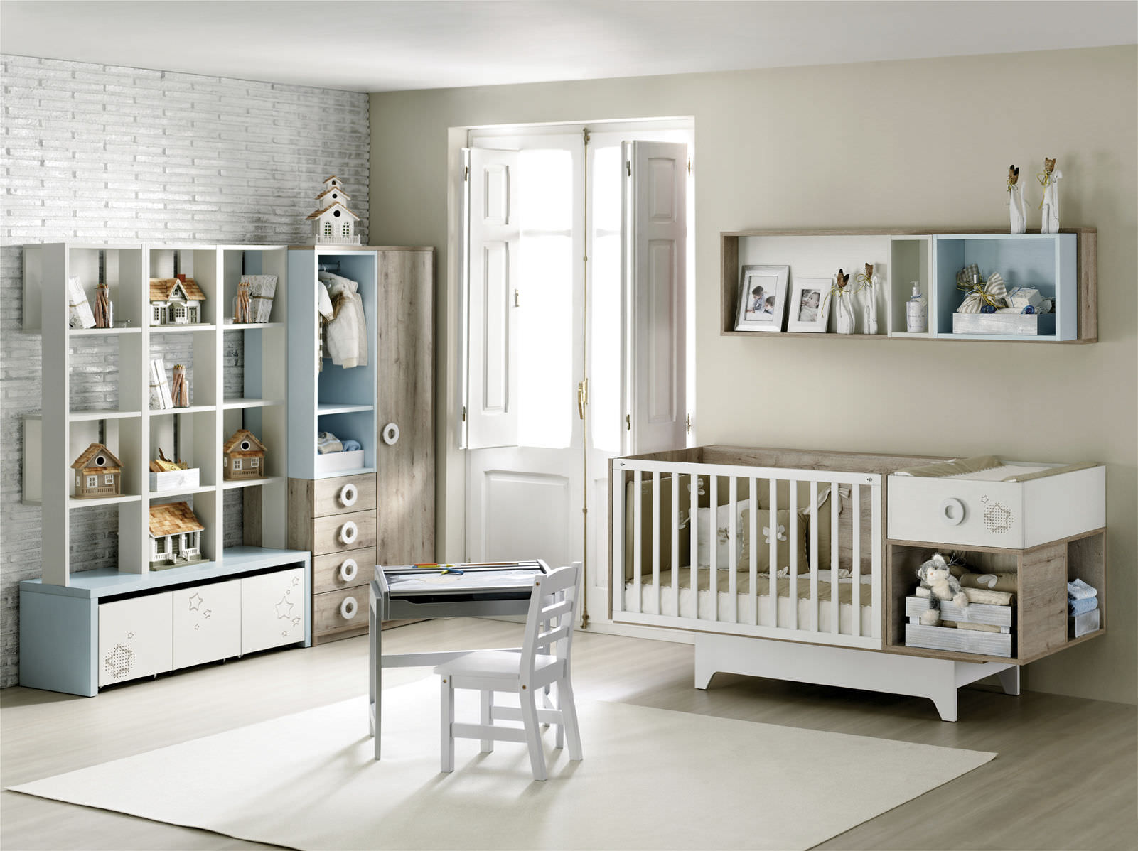 Детская комната для мальчика белая