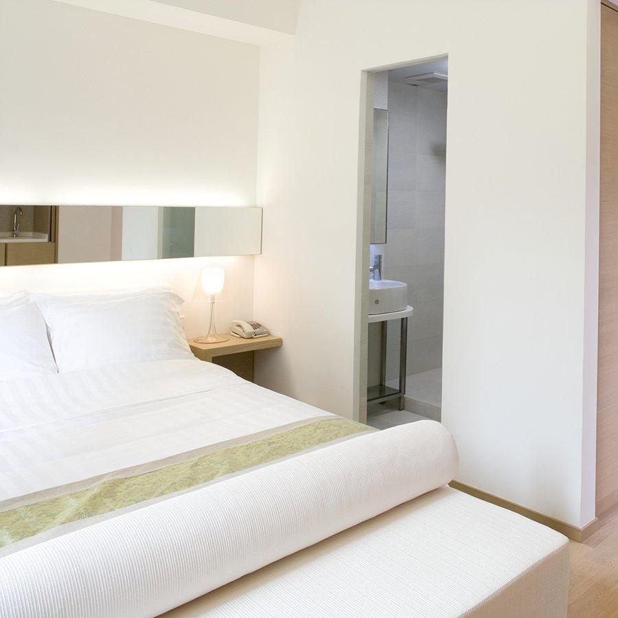 Маленькая спальня белая