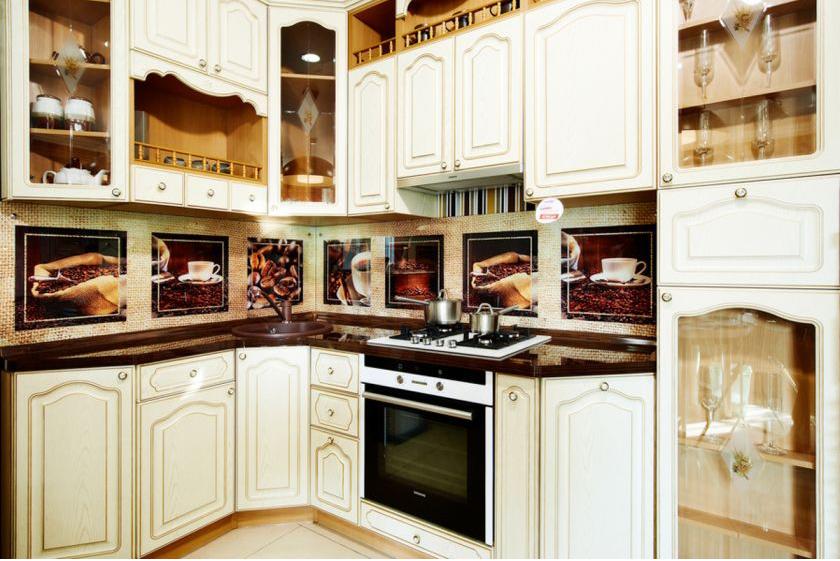 Замена белых фасадов кухонного гарнитура