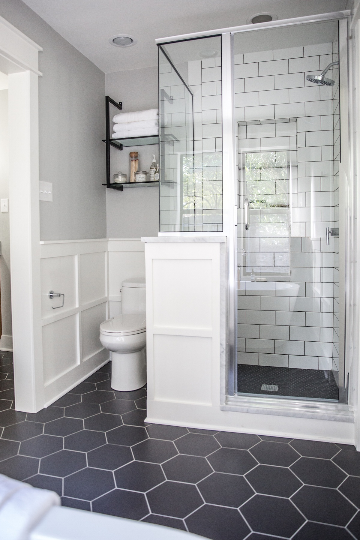 Ванная комната с душевым боксом