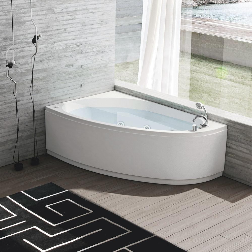 Угловая ванна с бортиками