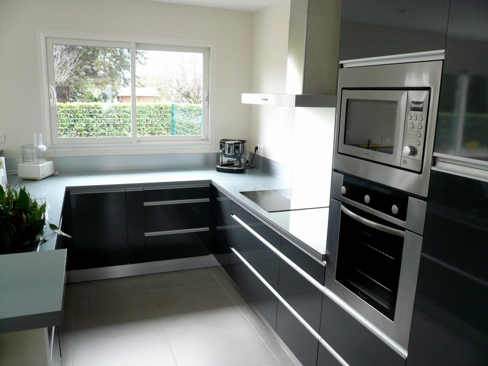 Кухня 9 кв м черная