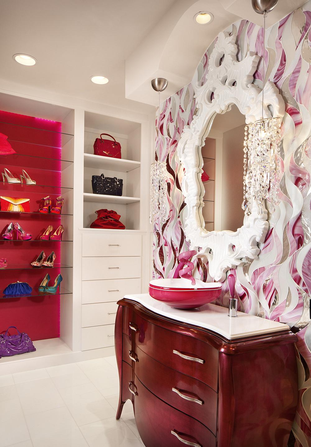 Красная ванная ар-деко