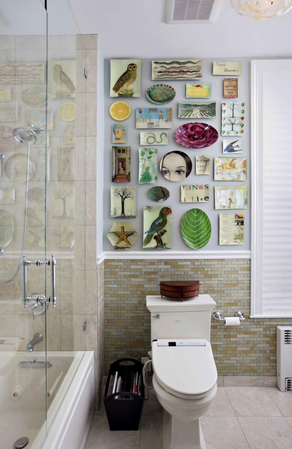 Интерьер ванной с декором