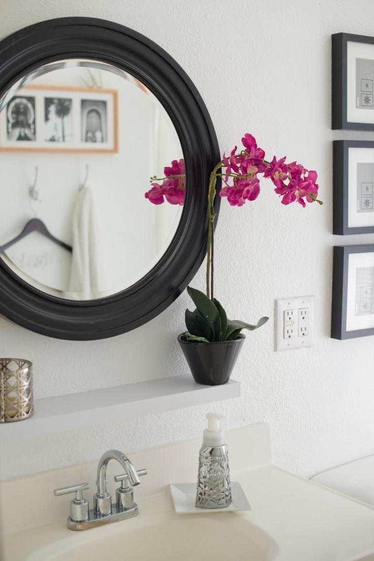Черно-белый декор в ванной