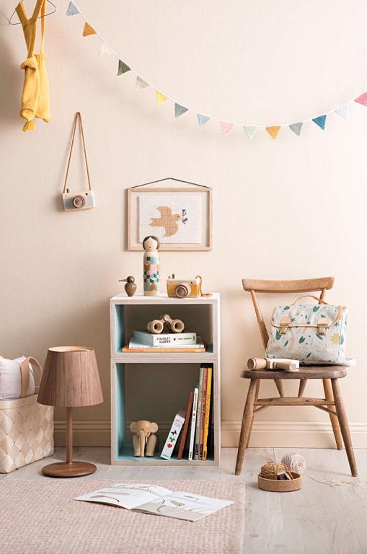 Детская комната для девочки деревянная