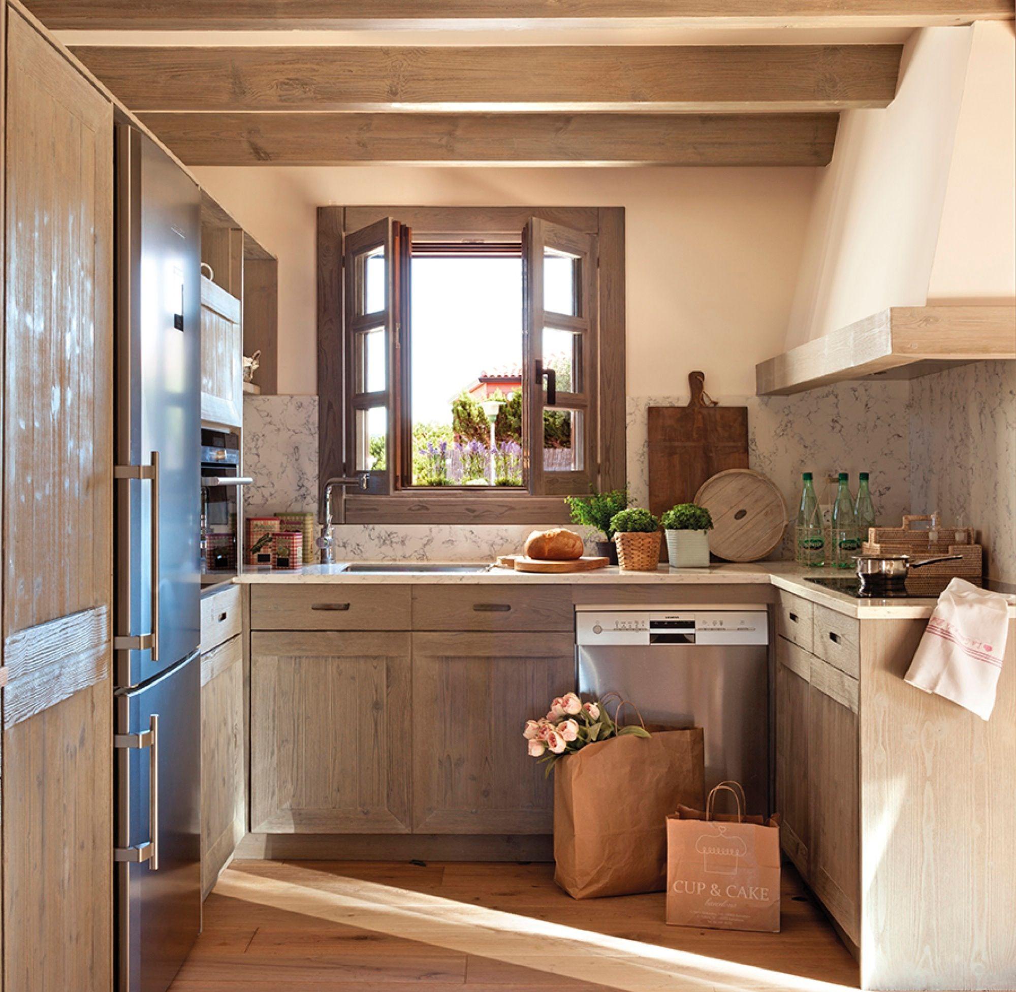 Дизайн маленькой кухни в деревенском стиле