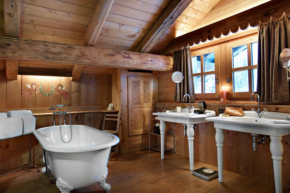 Интерьер ванной в доме