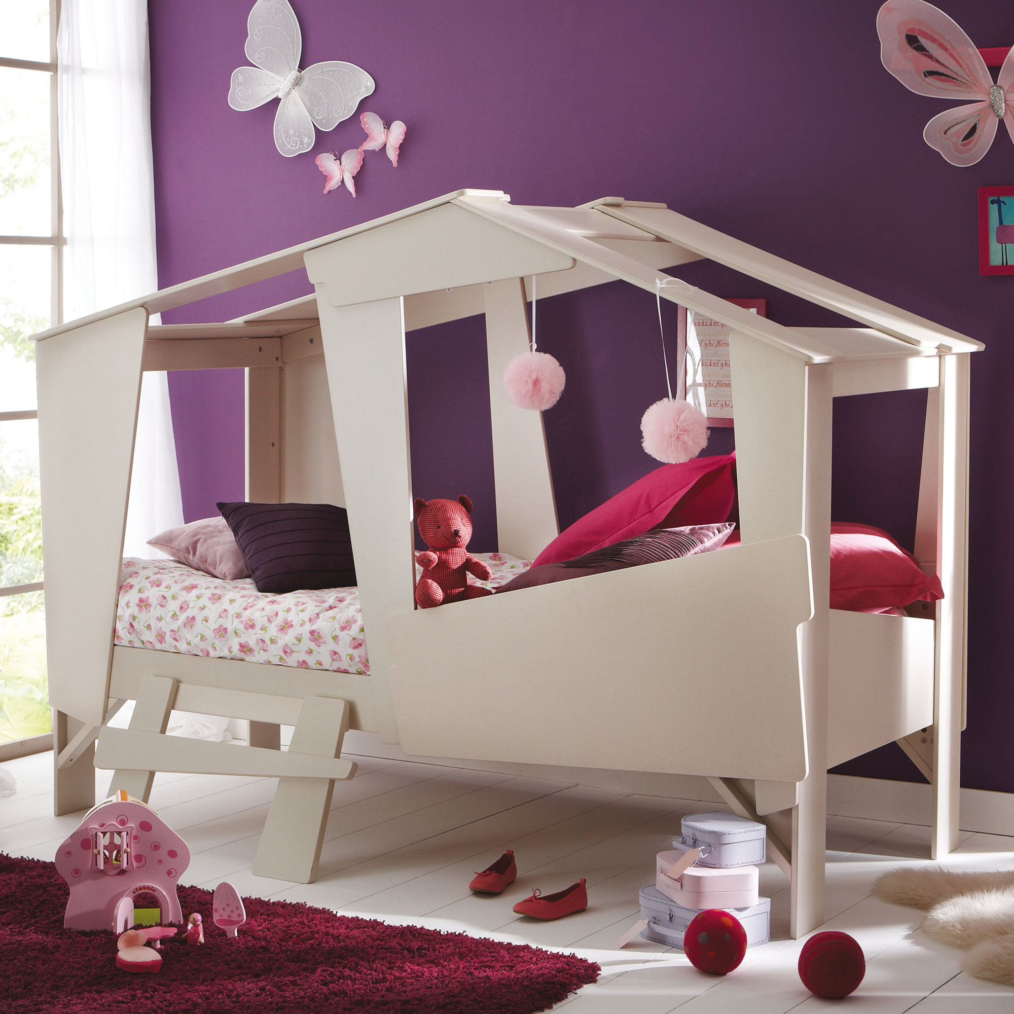 Детская 10 кв м с кроватью домиком