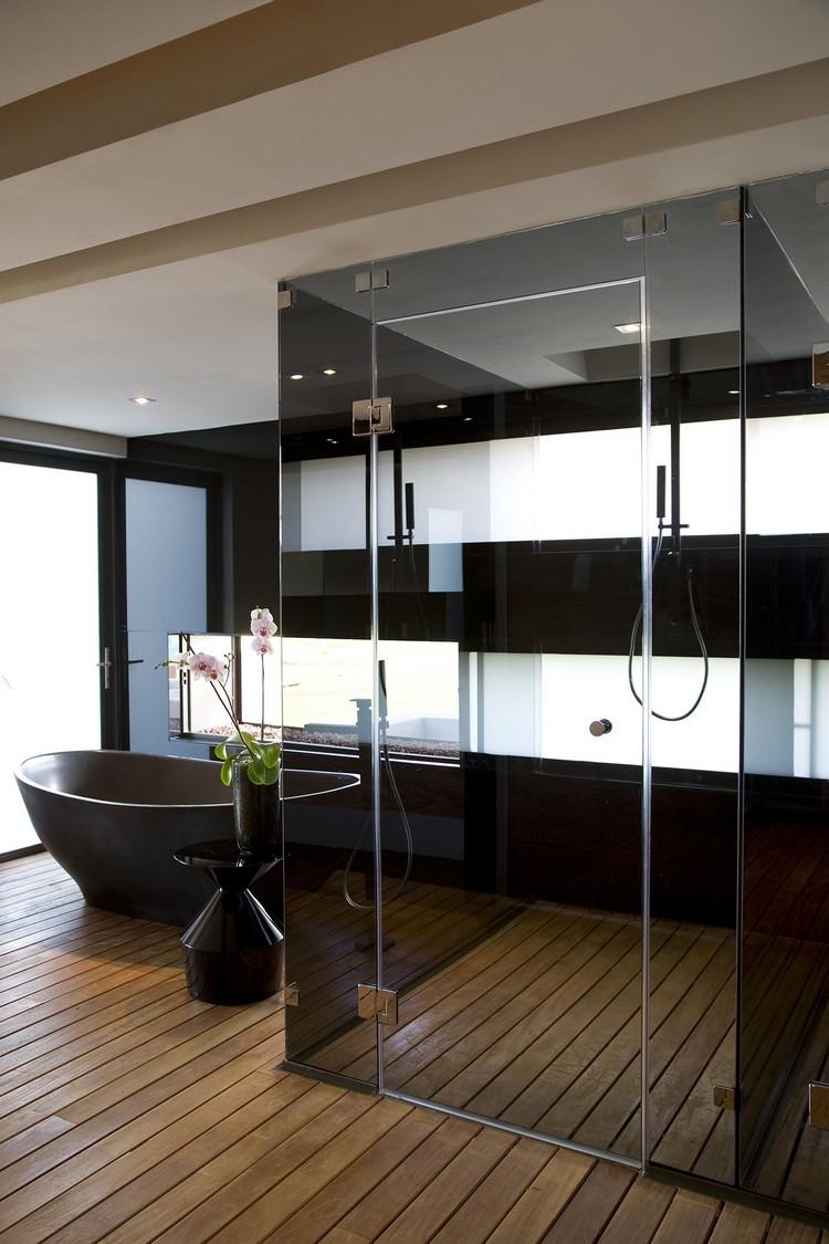 Черная ванная с душем