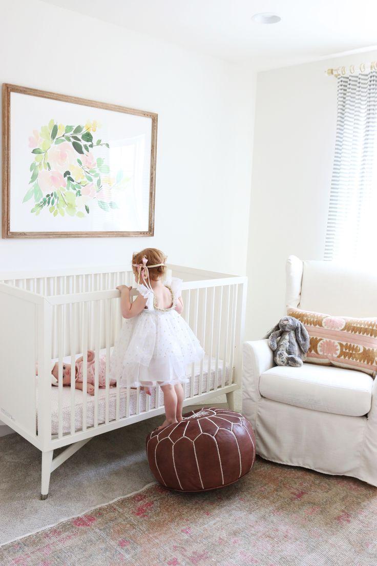 Детская в однокомнатной квартире для двух детей