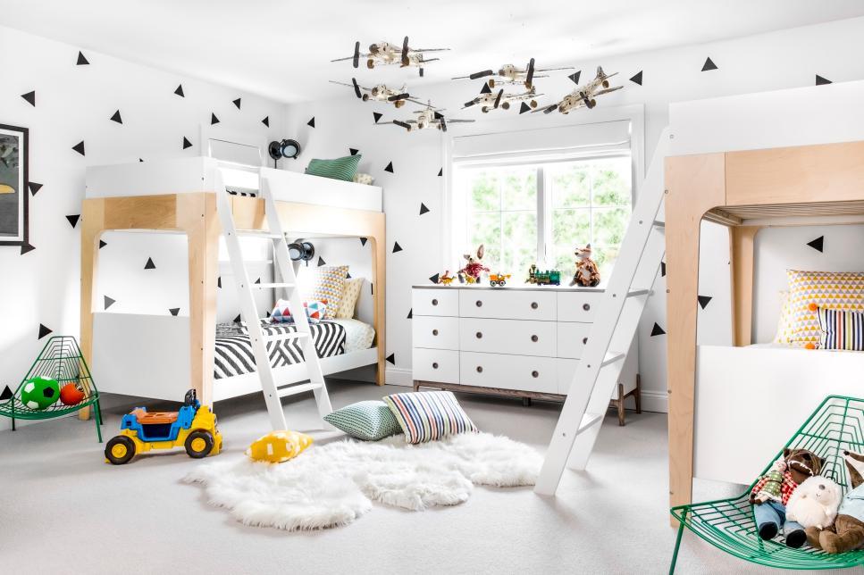 Детская 10 кв м с двухэтажной кроватью
