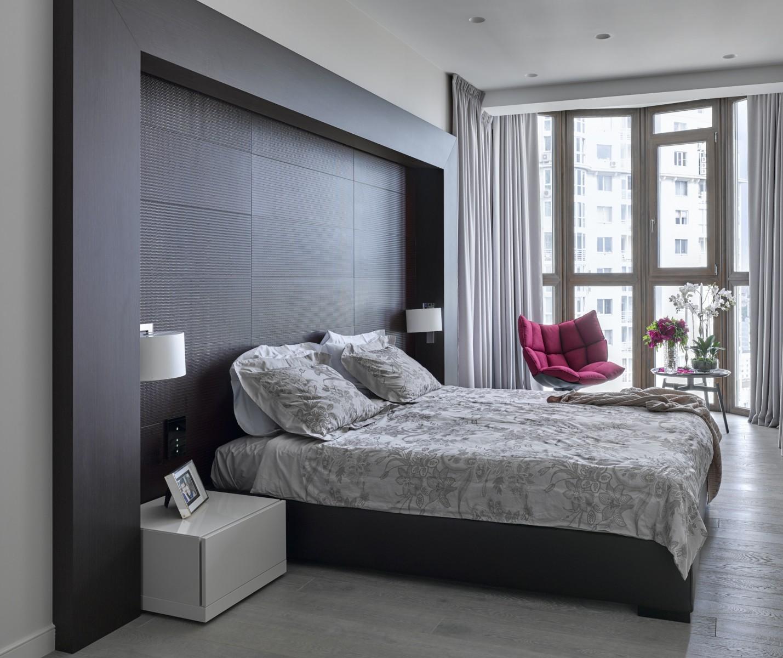 Маленькая спальня с эркером