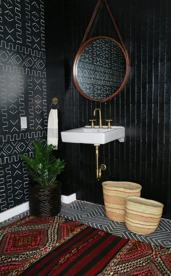 Черная ванная в этническом стиле